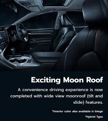 Mobil sedan yang ada moon roof