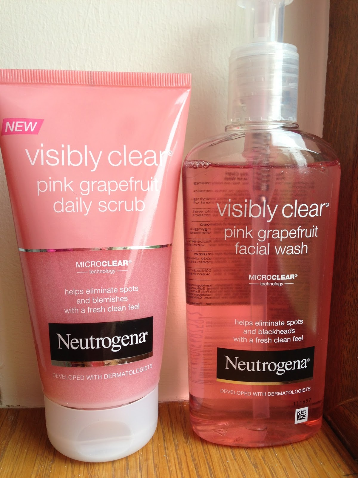 Rocking Robyn Hood Neutrogena Visibly Clear Pink Grapefruit Daily