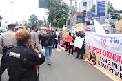 Forum Wartawan Jakarta (FWJ) Indonesia Gelar Aksi di Polres Depok