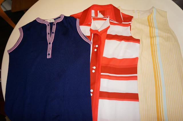 robes années 60 70... tricot , polo , trapèze / Courtelle et Tergal   vintage knit dress , polo dress , aline dress mod twiggy 1960 1970 60s 70s