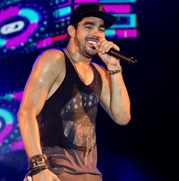 Tem novidade na área para os fãs do Rei da Ousadia Gabriel Diniz. Através  de seu perfil oficial no Instagram, o cantor anunciou que irá lançar um novo  DVD, ... a8d58e0025