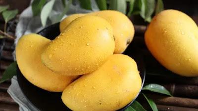 Dari meningkatkan pencernaan hingga melawan jerawat: Mengapa Anda harus makan mangga