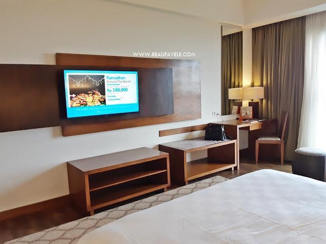 Furniture dengan unsur kayu