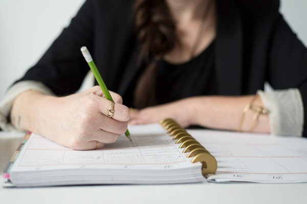10 Dicas para Organizar os Estudos na Faculdade e Conciliar com Outras Atividades