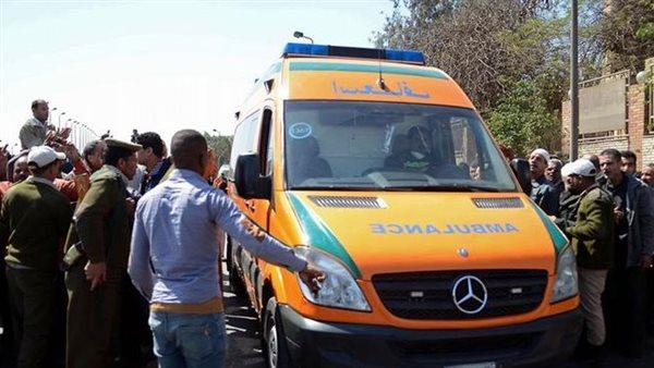 بالأسماء.. إصابة 9 أشخاص في تصادم سيارتين بصحراوي البحيرة