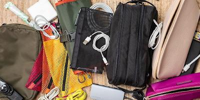 Tidak menyatukan kabel USB ke dalam tas yang banyak dengan barang bawaan