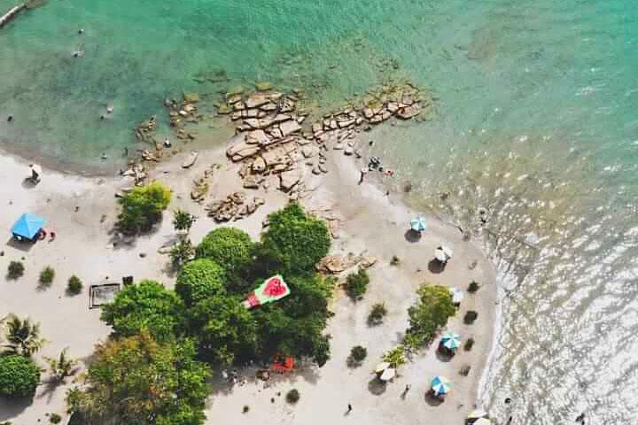 Selain Parbaba 5 Wisata Pantai Pasir Putih Di Danau Toba Ini Juga Keren Traveling Medan