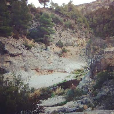 Tramo camino natural Matarraña, grava, piedras