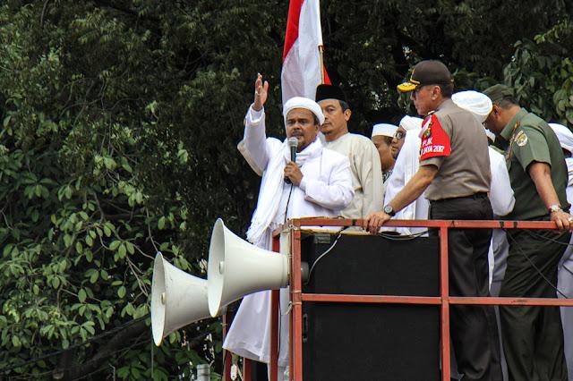 Ternyata Begini ya Karakter Asli Habib Rizieq Syihab yang Diungkap KH M Arifin Ilham : kabar Terhangat Hari Ini