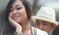 Lirik Lagu Bali Ocha Putri - Tetep Cinta Beli