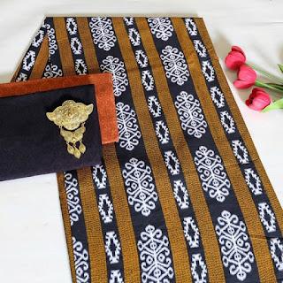 Kain Batik dan Embos 472 Coklat
