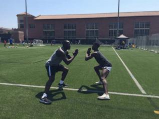 Romelu Lukaku trains with Paul Pogba