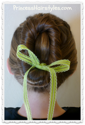 Anna hairstyle, from the Disney movie Frozen, video tutorial