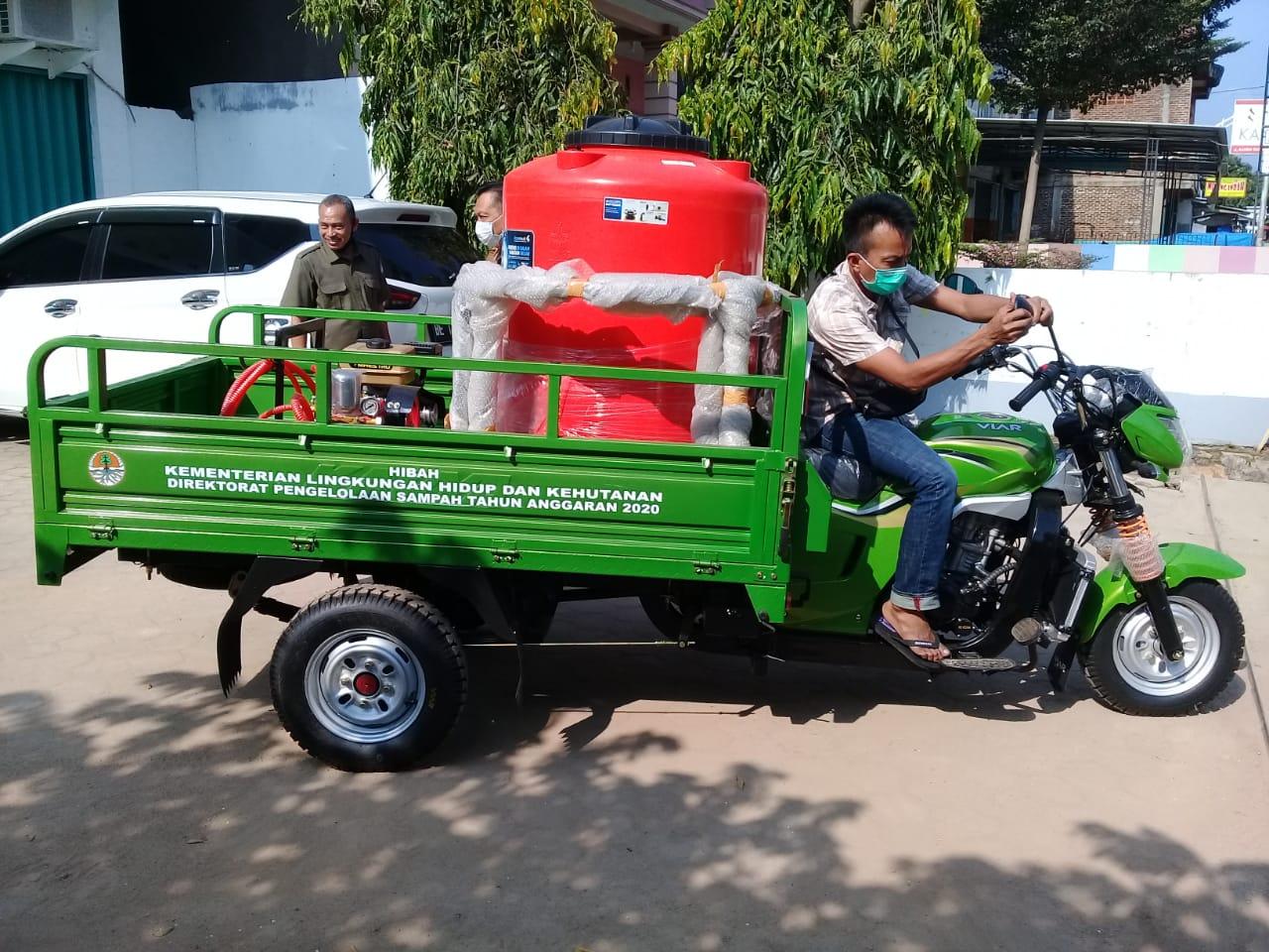Bupati TuBaWinarti, mengapresiasi dan mengucapkan terima kasih atas bantuan unit kendaraan jenis bentor untuk penyemprotan disinfektan