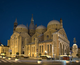 The Basilica of St Anthony of Padua is a spectacular sight when illuminated at night