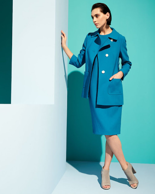 Голубое платье и голубой жакет