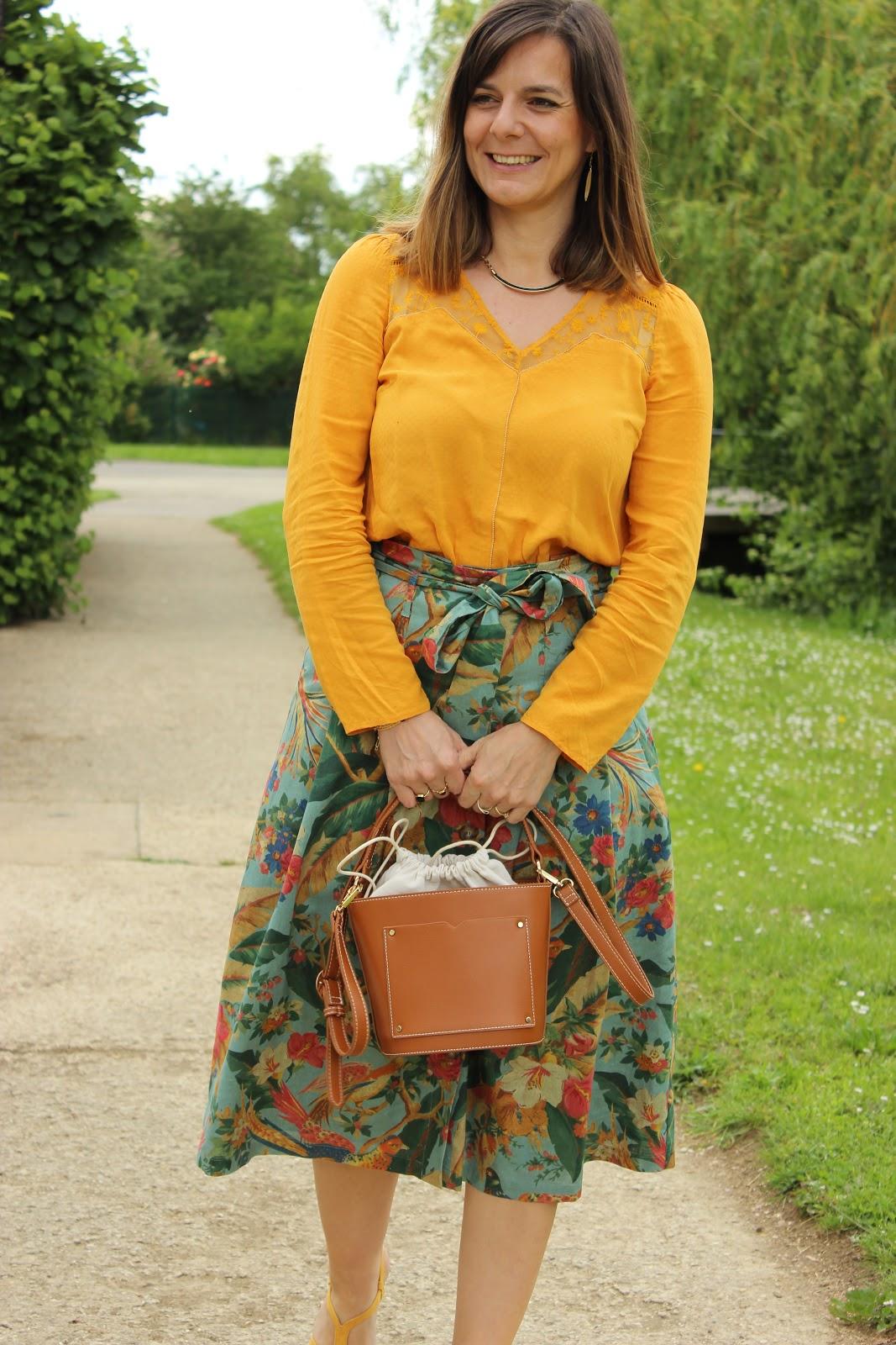 jupe sézane, look du jour, sandales jaunes Etam, les petites bulles de ma vie