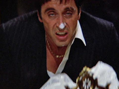Al Pacino e la cocaina in ''Scarface''