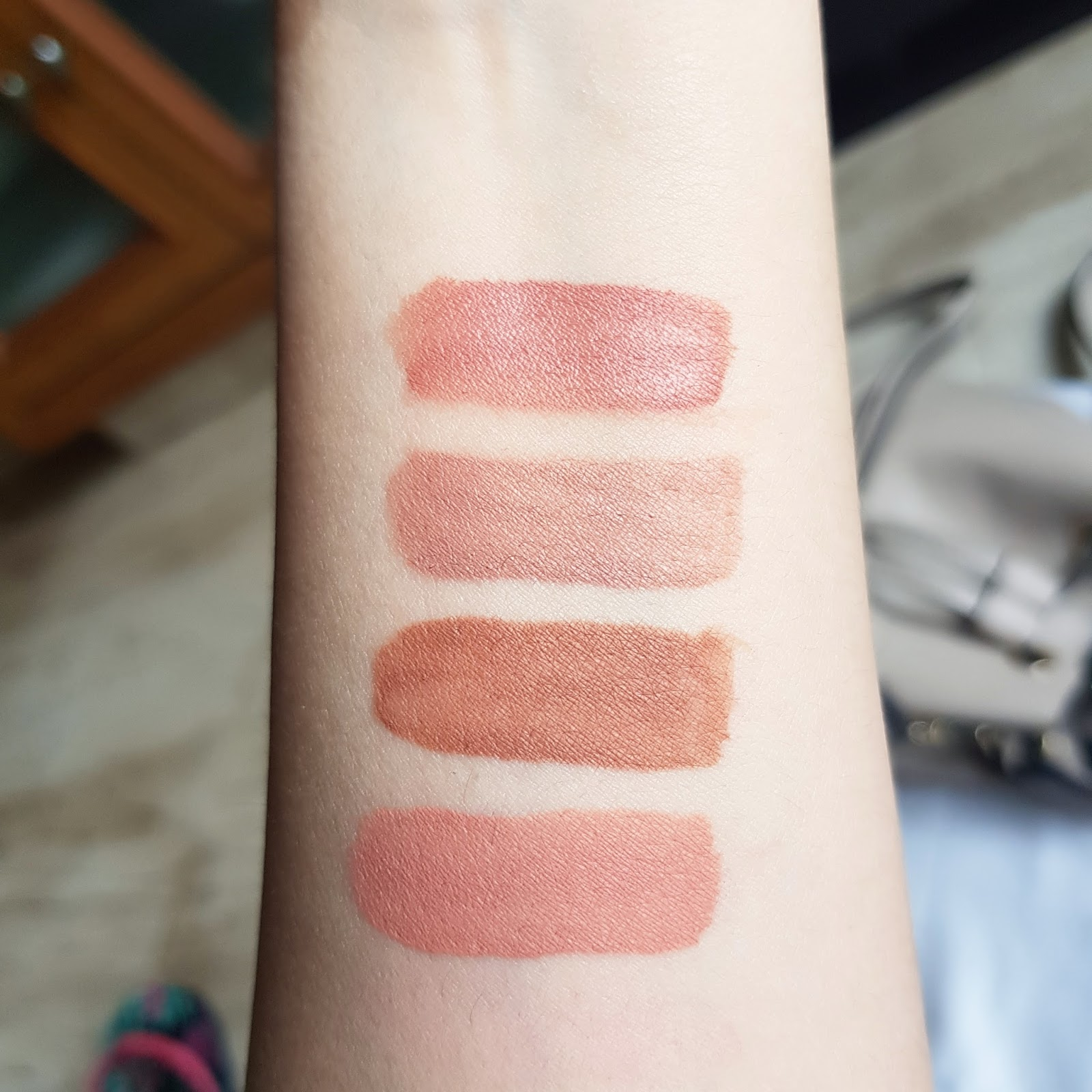 Lip Strobe by Huda Beauty #10