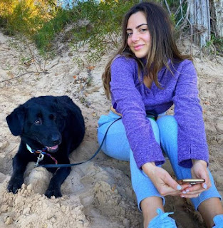 Picture of Emumita Bonita with a dog