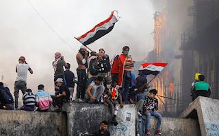 البابا فرنسيس يتابع بقلق الوضع في العراق ويدعو إلى إرساء السلام