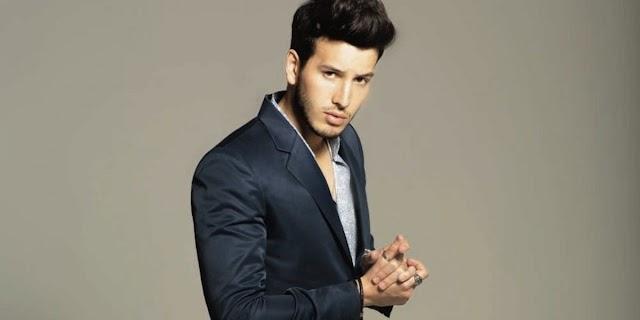 Sebastián Yatra anuncia fecha y tracklist de su nuevo álbum 'Fantasía'