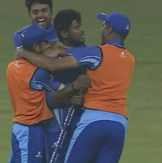कर्नाटक ने बेहद ही रोमांचक मुकाबले में तमिलनाडु को 1 रन से हराकर लगातार दूसरी बार सैयद मुश्ताक अली ट्रॉफी का खिताब अपने नाम किया