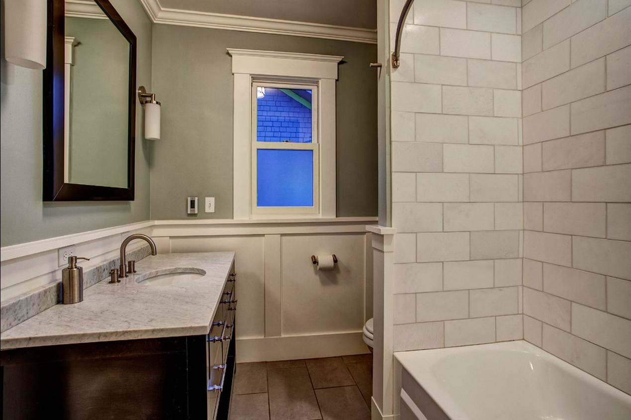 Delorme Designs: SMALL BATHROOMS-USE WHAT YOU'VE GOT!! on Small Bathroom Ideas With Tub id=40840