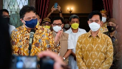 Puji Pemda Solo yang Dipimpin Gibran Rakabuming, Airlangga Hartarto: Kasus Covid-19 Melandai