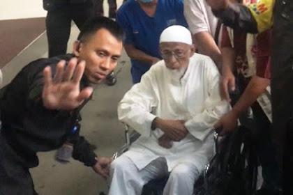 Ustadz Ba'asyir Batal Dibebaskan, Umat Islam Semakin akan Tinggalkan Jokowi