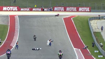 Kecelakaan FP2 GP Amerika, Abraham Merangkak Keluar Sirkuit