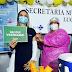 """""""Foram 10 meses de medo e de insegurança, mas nunca abandonamos nossa missão de cuidar dos outros"""", diz enfermeira de Lucena após receber vacina contra o coronavírus"""