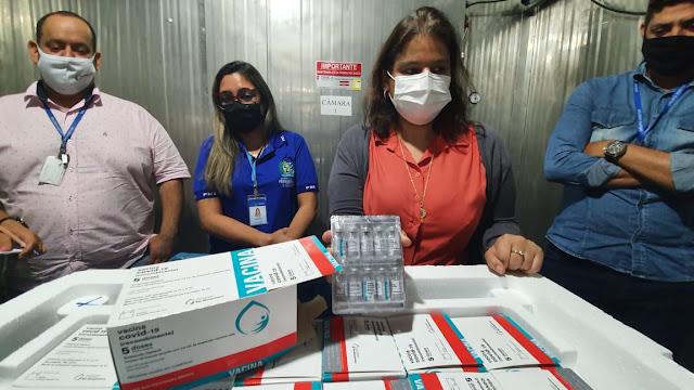 Mais 150.750 doses da Astrazeneca/Fiocruz chegam a Pernambuco