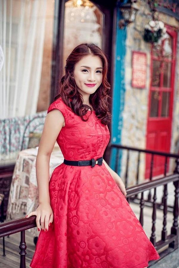Thu Hà - Ca sĩ nữ xinh đẹp