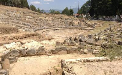 «Χάος» με το αρχαίο θέατρο Ορχομενού: Γιατί το ΥΠΠΟΑ απέρριψε δωρεά μελέτης αποκατάστασης