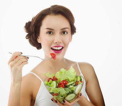Keriput dan kulit kendur semua mulai pada tingkat sel Cara Membuat Wajah Awet Muda dan Segar dengan 5 Makanan Ini!
