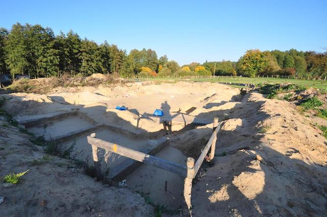 wykopaliska siedziby rycerskiej oraz nowożytnego dworu w Dzwonowie