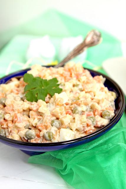 salatka warzywna, salatka jarzynowa, tradycyjna salatka warzywna, salatka na Wielkanoc, salatka wielkanocna,
