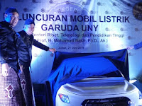 Menristekdikti Luncurkan Mobil Listrik Garuda UNY
