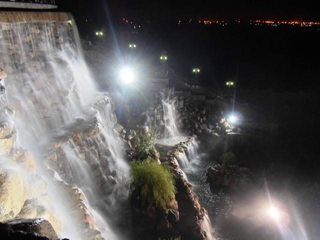 Рукотворный водопад в Душанбе, Таджикистан - фото
