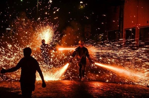 Produção e queima de espadas tem pena de até 06 anos e fiança de 10 a 100 salários mínimos