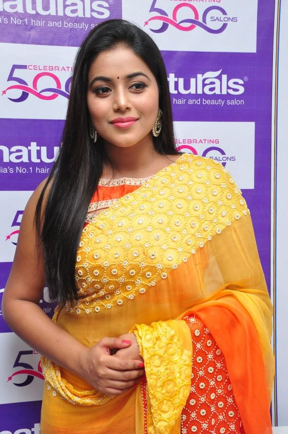 Actress Poorna/ShamnaKasim Latest HD Images