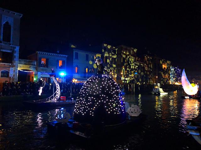 Zahájení Benátského karnevalu 2019 na vlastní oči, benátský karneval 2019, vodní průvod, festa veneziana sull´Acqua, zažijte benátky jako místní, benátky průvodce, kam v benátkách, co vidět v benátkách, benátky památky, benátky historie, kde se najíst v benátkách,