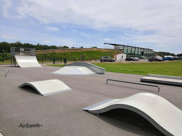 skate park saint pierre lès nemours