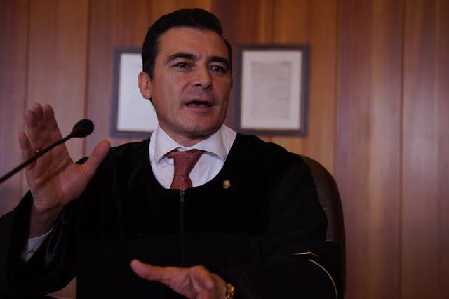 Las cosas raras que están pasando donde vive el magistrado que tiene el caso älvaro Uribe Vélez.