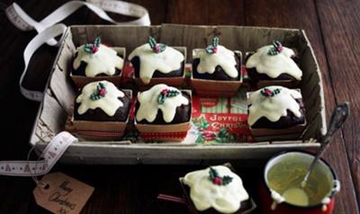 Mini Christmas Pud Muffins