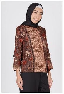 Baju batik muslim modis untuk bekerja