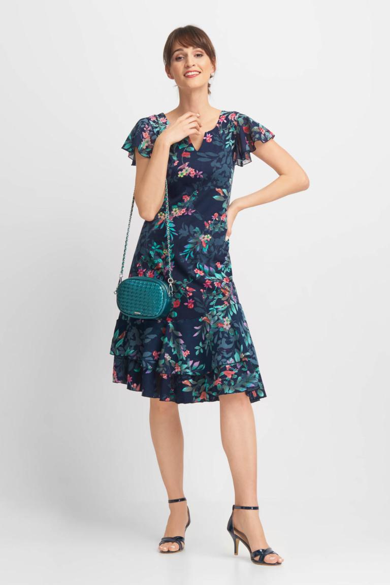 zwiewna sukienka w kwiaty w kolorze zieleni quiosque