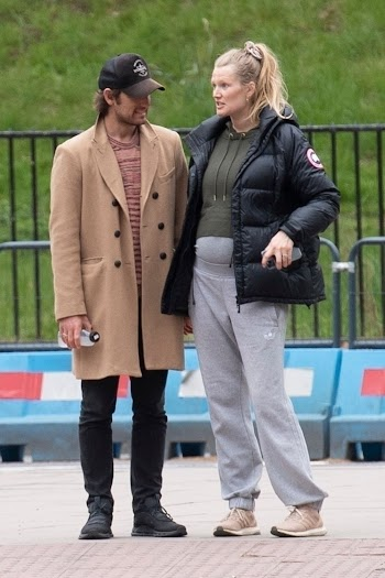 Pregnant Toni Garrn and Alex Pettyfer Out Shopping in London 4 May-2021