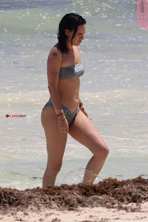 Rumer-Willis-In-Bikini-Seen-at-a-beach-in-Mexico--03+%7E+SexyCelebs.in+Exclusive.jpg